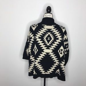 Forever 21 Sweaters - Forever 21 tribal print oversized cardigan M A64